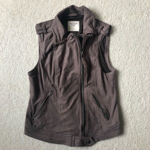 Brown suede Abercrombie and Fitch vest
